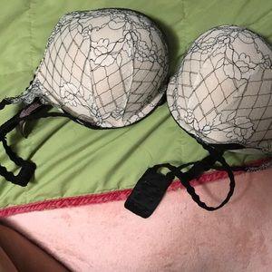 Victoria's Secret Bombshell bra 36C